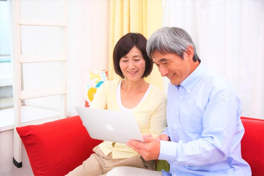 ダイエットや筋トレ、食事管理サポートのアフターフォロー制度の話を聞いて、頑張り続ける老夫婦